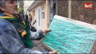 Johnny Hallyday : à Marnes-la-Coquette, l'hommage des voisines et des fans