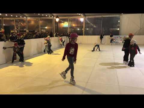 Una pista para patinar en Cangas en Navidad