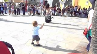 Танцующий ребенок!(Танцующий ребенок!, 2015-04-14T19:24:58.000Z)