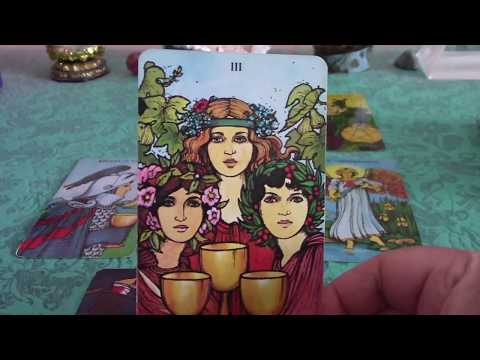Taurus March 2018 Love Tarot Reading: Offer of Love