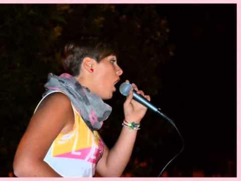 CARMELA SERRA-PREMIO DELLA CRITICA VI° KARAOKE FESTIVAL APULIA 2012