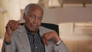 EXCLUSIVE: Robert Guillaume Reveals He Didn't Want to Play Benson At First Because of 'Serving' R…