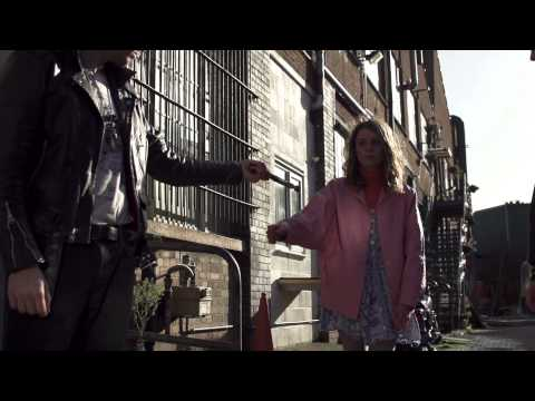 """Wolf Alice - """"Fluffy"""" (Official Video)"""