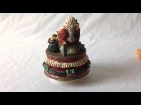 Santas Workshop musical figurine