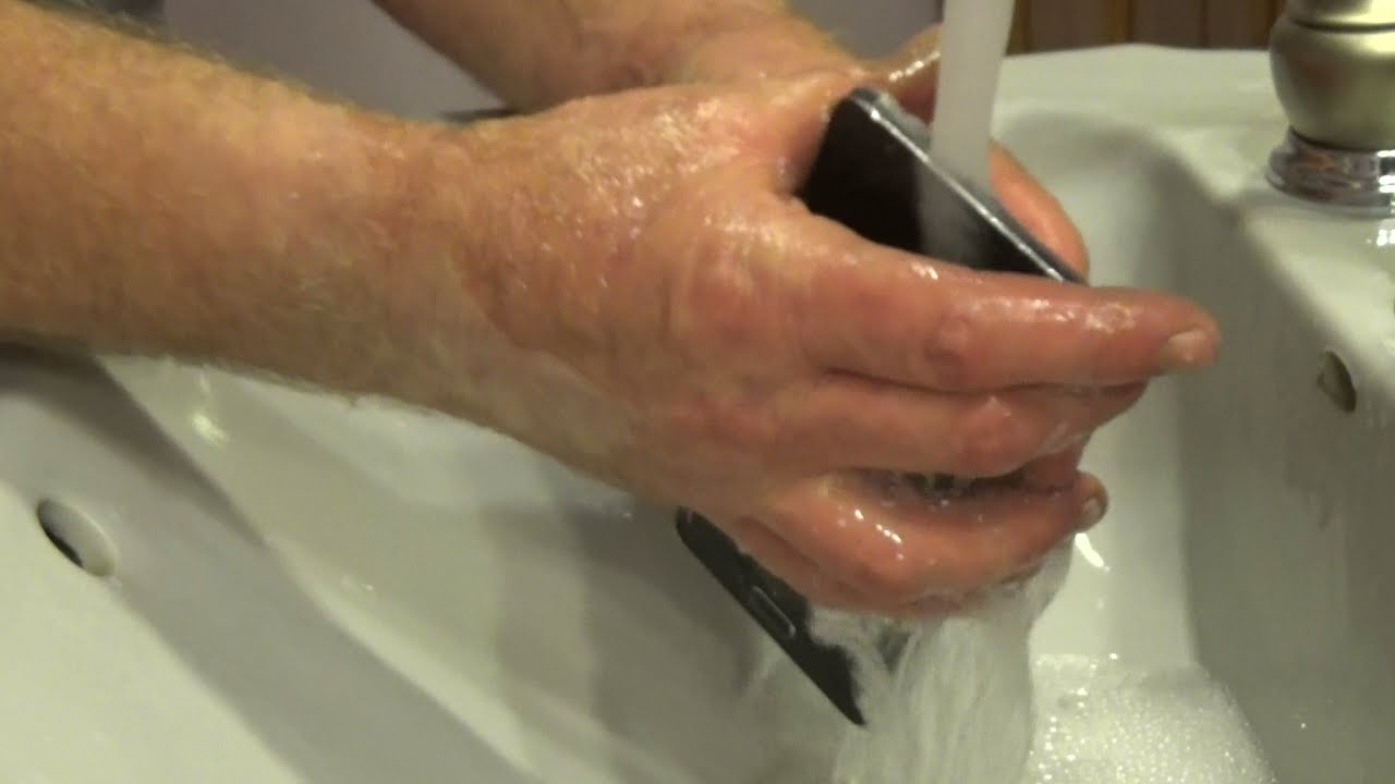 How to Surely Water Damage Your Samsung Galaxy Note 4 Smartphone ...