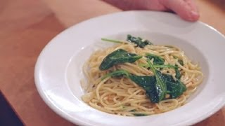 Pasta With Garlic, Oil & Spinach : Italian Dishes