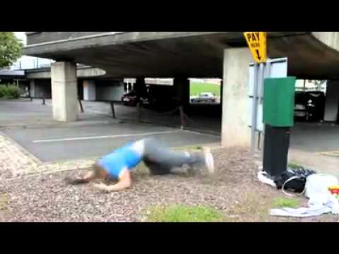 FREE RUNNING EPIC FAIL FRONTFLIP FACEPLANT ONTO CONCRETE FROM HEIGHT