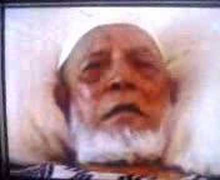 ahmed deedat Sheikh ahmed hoosen deedat was born on the 01 july 1918 in the surat district of india in 1918 his father emigrated to south africa in 1927 with him.