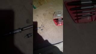 Как выкрутить свечу накала на дизеле если повреждены грани под ключ.(, 2017-01-12T19:34:34.000Z)