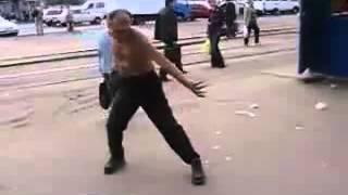 Уроки Рассеянского мастера по карате на свежем воздухе