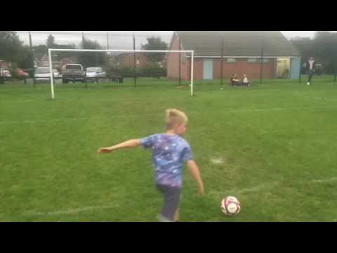 The NO LOOK crossbar challenge