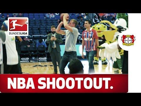Basket Bernd Leno - The Bayer keeper tries the NBA