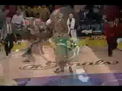 PJ Brown Posterizes Kobe Bryant (6.12.08)