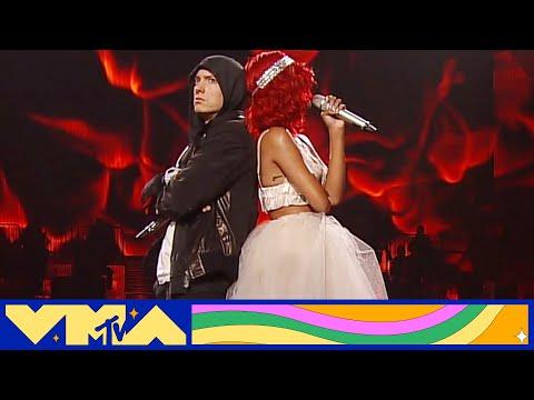 "Eminem & Rihanna Perform ""Love the Way You Lie / Not Afraid"" at 2010 VMAs | MTV"