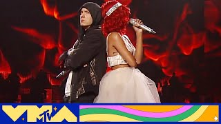 "Eminem & Rihanna Perform ""Love the Way You Lie / Not Afraid"" at 2010 VMAs 