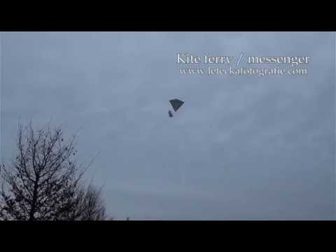 Kite messenger