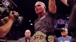 One of UFC commentator Joe Rogan's favorite fighters, welterweight champion Robbie Lawler has done it all inside the Octagon. Hear Rogan go through the ...