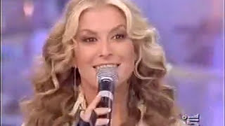 Скачать Anastacia Pieces Of A Dream Medley At Buona Domenica 2005