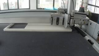 Découpe de mousse 30 mm sur Zund G3 par Grafitroniks 3
