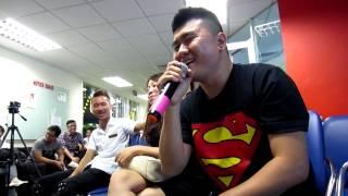 Gameloft's Got Talent 2013 | Giao lưu | Chuyện tình chàng vứt giấy - Vũ Quốc Thanh Đàn