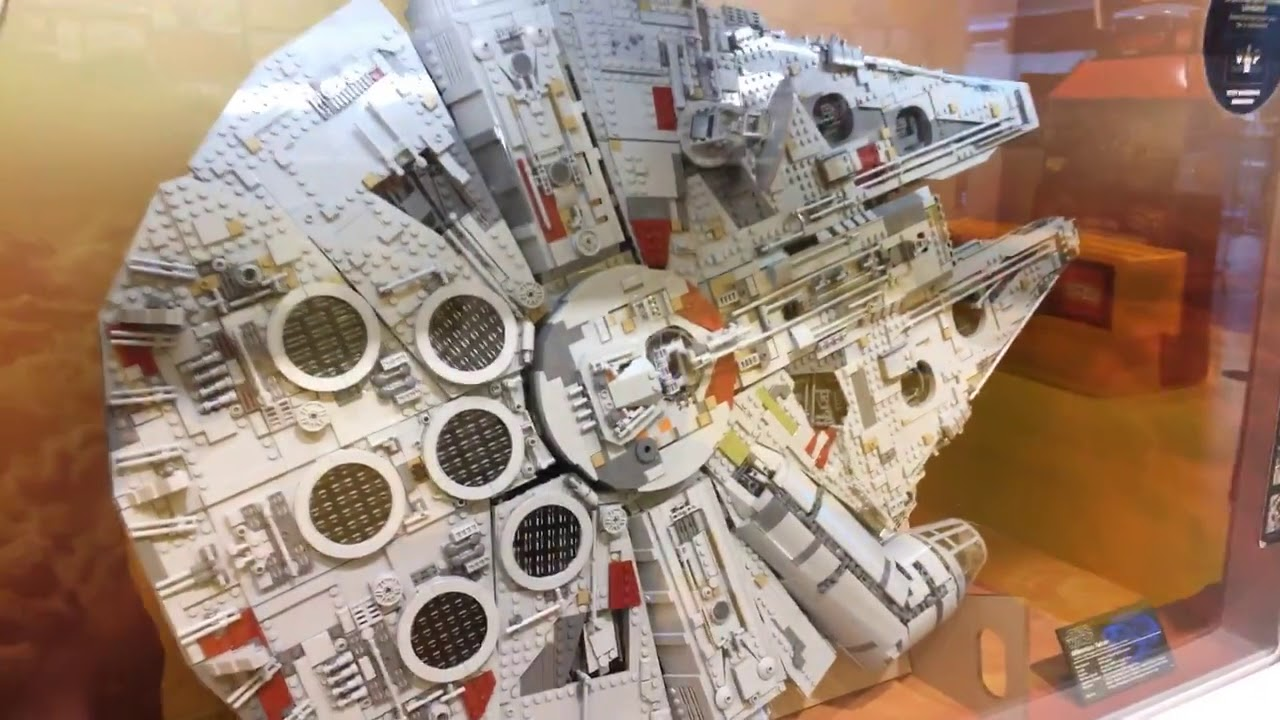 lego star wars ucs millennium falcon 75192 store display. Black Bedroom Furniture Sets. Home Design Ideas