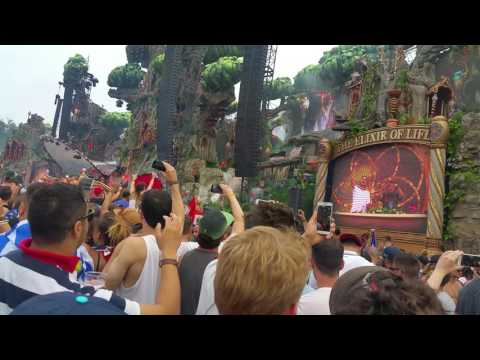 The Chainsmokers At Tomorrowland 2016