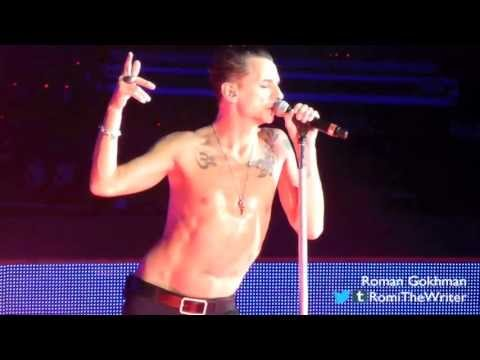 "Depeche Mode, ""Personal Jesus"" - Sept. 26, 2013, Mountain View, CA"