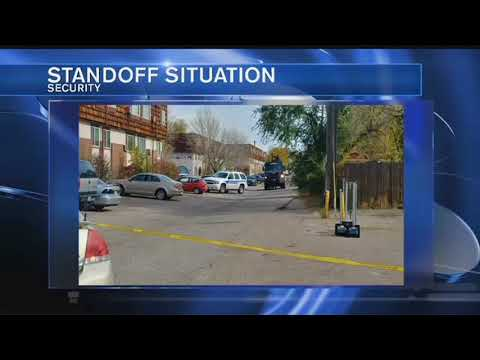 El Paso County Sheriff's Office dealing with barricaded man