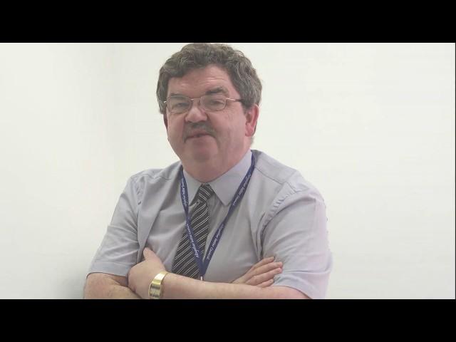 Dr Leslie Burns   Lecturer Education & Training