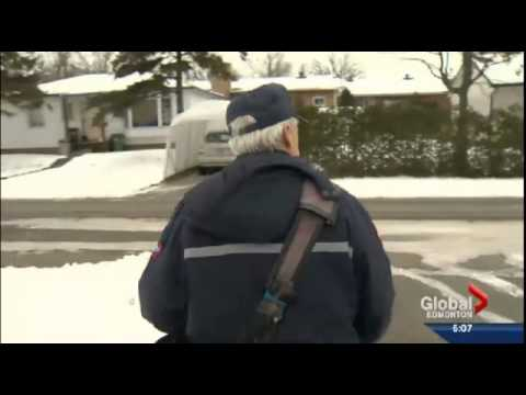 Postal workers' union holds Edmonton forum to address Canada Post cuts