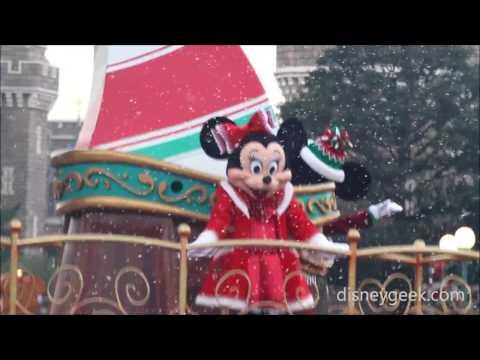 Tokyo Disneyland: Disney Christmas Stories (Snowfall Finale Clip)