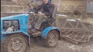 Мини трактор с боронами. Homemade mini tractor with harrows