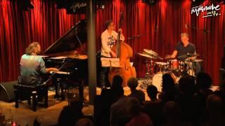 Stefano Bollani, Jesper Bodilsen & Morten Lund - Easy Healing (Live at Jazzhus Montmartre)
