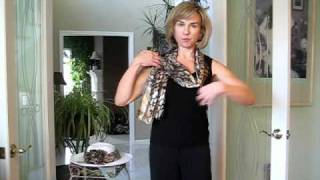 Donna Buffardi of Gifts In Motion Demonstrates the Clip on Bow and Scarf Set