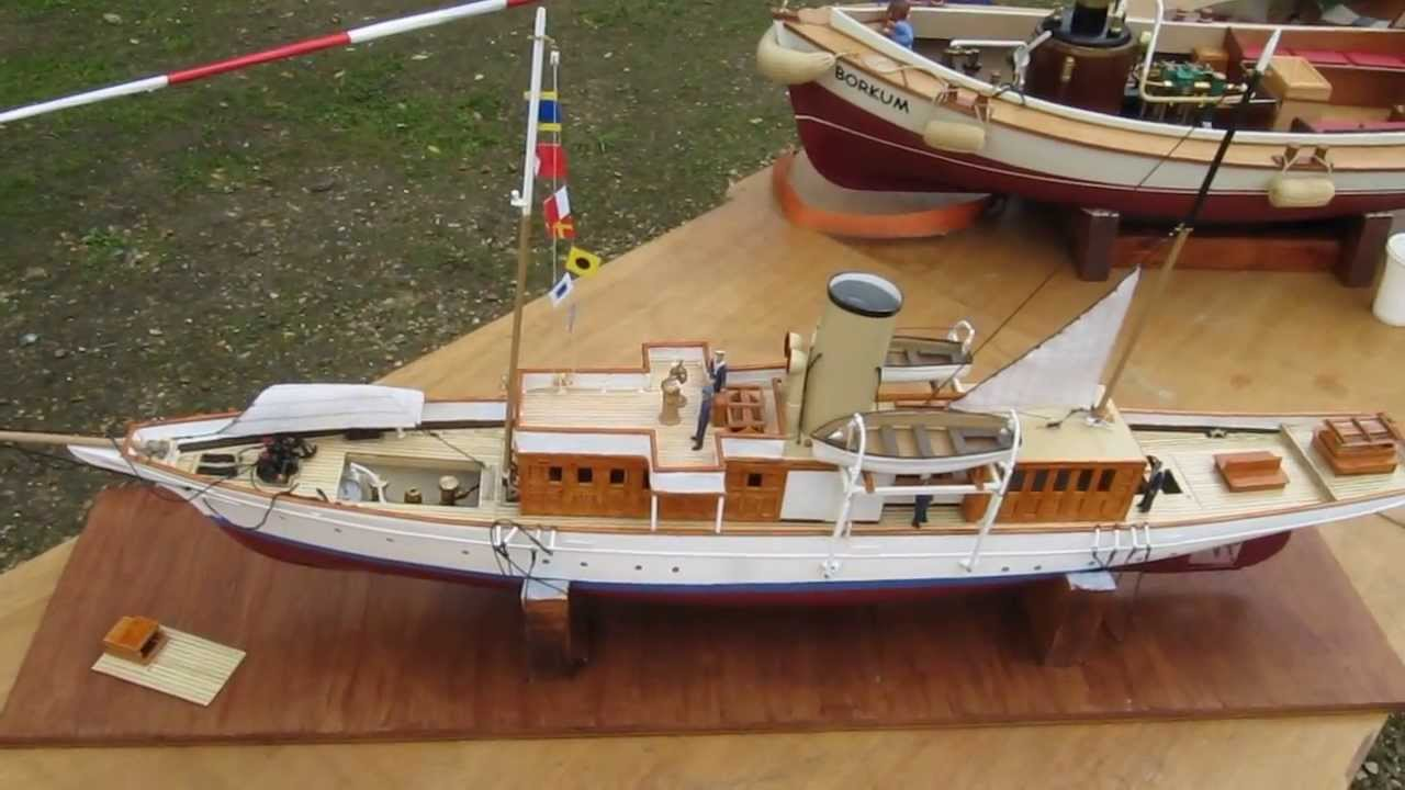 Le mega yacht Medea RC de Gilles 1/2 (Bateau vapeur / Steam boat) - Hippocampe 2013 - YouTube