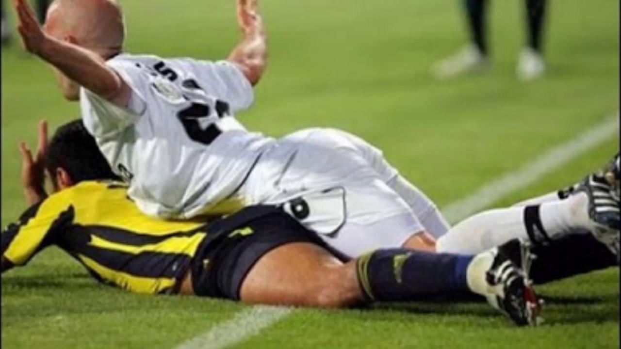 Souvent Le immagini più hot e divertenti del Calcio - YouTube EB68