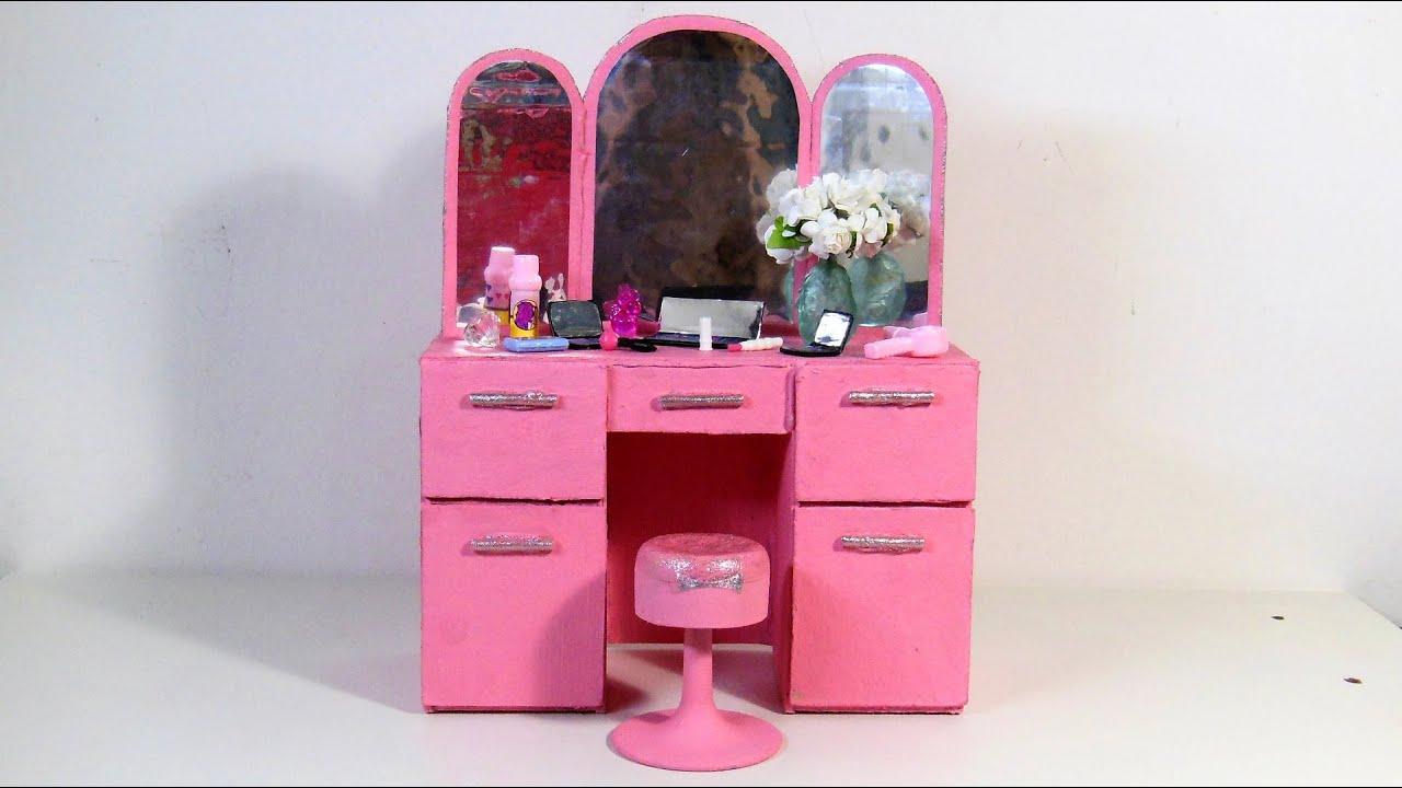 Penteadeira Retrô Dos Sonhos Para Barbie DIY (Papelão