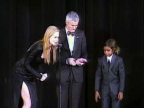 Nicole Kidman gives director Luhrmann award in New York