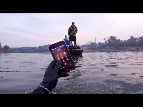 Working IPHONE 8 Found In River Returned To Fisherman!!! (WILD Story)