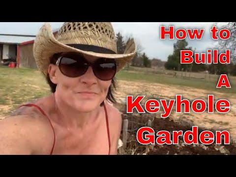 Beautiful Keyhole Garden; Growing Efficiently 1