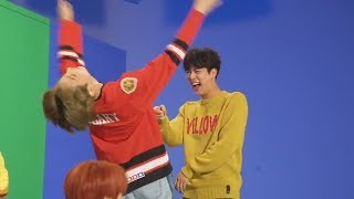 JUNGKOOK (정국 BTS) makes his hyungs laugh