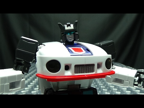 Maketoys DOWNBEAT (Masterpiece Jazz): EmGo's Transformers Reviews N'Stuff