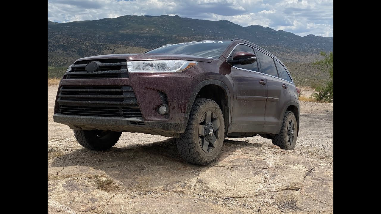 lifted toyota highlander off roading youtube lifted toyota highlander off roading