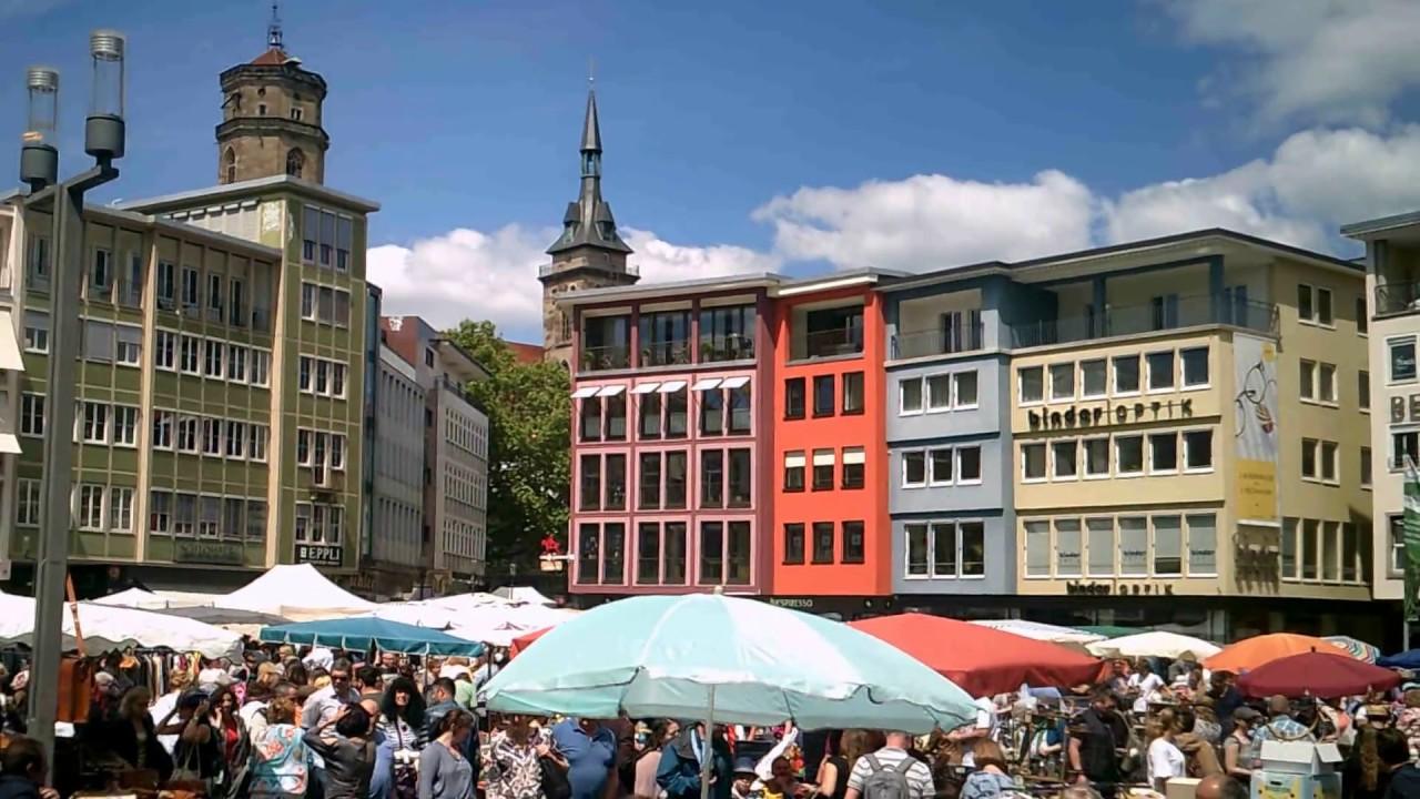 stuttgart gro er flohmarkt in der city hier schillerplatz marktplatz rathaus 21. Black Bedroom Furniture Sets. Home Design Ideas