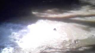 Repeat youtube video คลิปแอบถ่าย..คนหล่อเล่นน้ำ..อิอิ