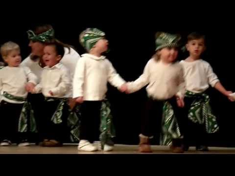 1 Year Old Maddy & Friends Dancing To Jambo Bwana