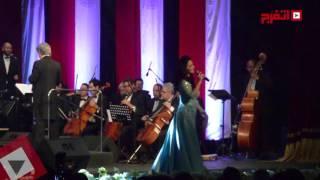 ديانا حداد تغني لحبيبها المصري و«جانا الهوا» بقيادة سليم سحاب (اتفرج)