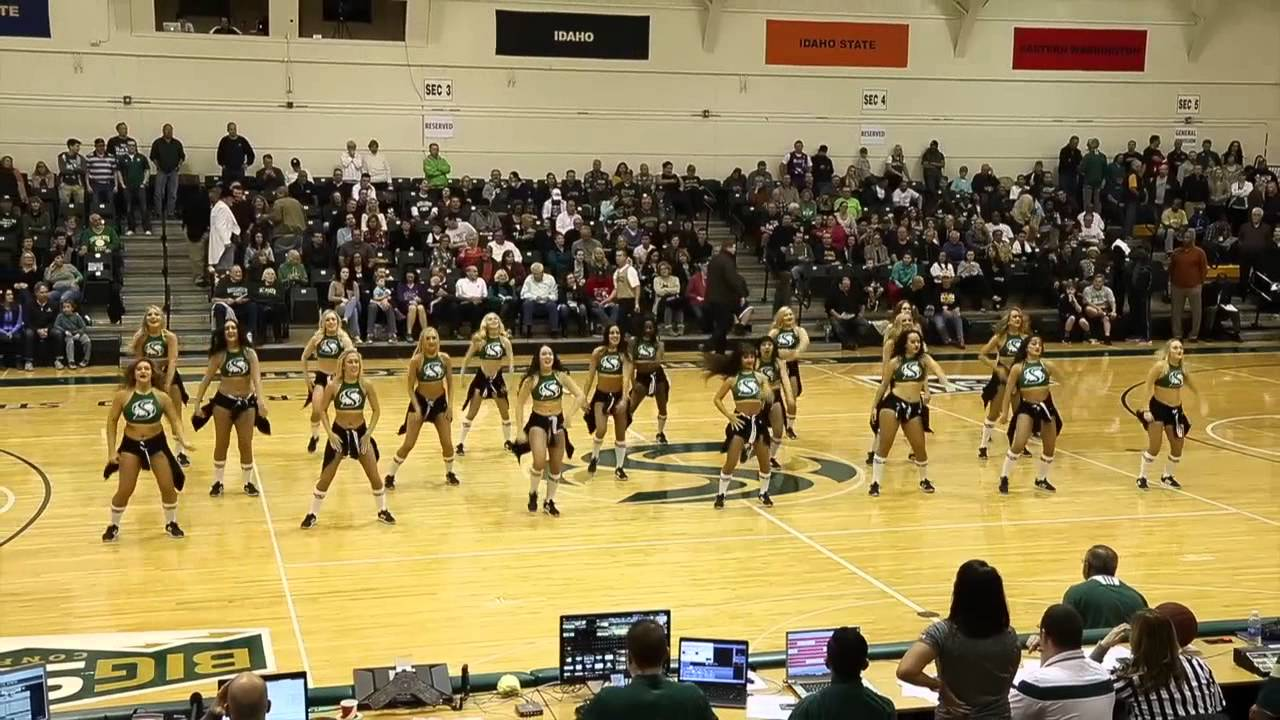 Sacramento State Hornet Girlz halftime performance