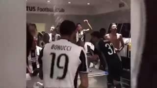 Video Locura Vestuario de Juventus con Juan Guillermo Cuadrado, Gonzalo Higuain y Paulo Dybala download MP3, 3GP, MP4, WEBM, AVI, FLV September 2018