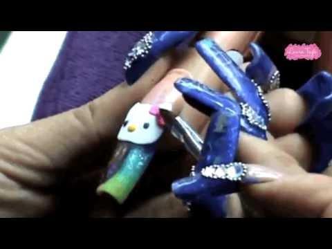 hello-kitty-3d-nail-art
